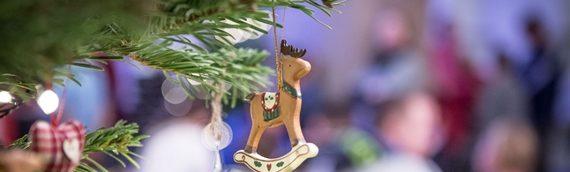 Weihnachtsgeschenke lassen Kinderherzen höher schlagen