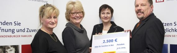 LOTTO hilft Familien in Not mit Scheck über 2.500 Euro