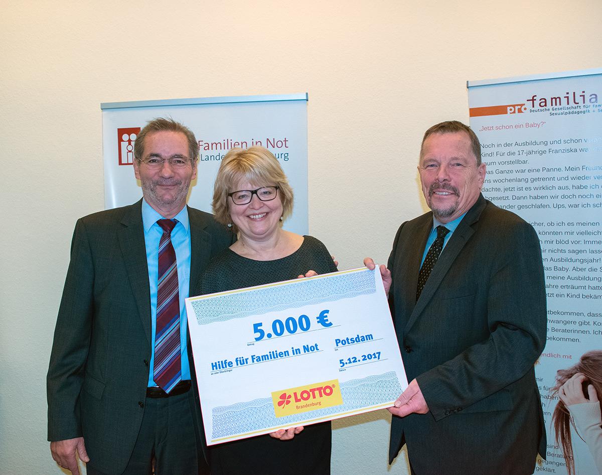 Stiftung_Lotto Scheckübergabe_05.12.2017